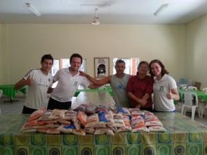 Doação de Alimentos na Comunidade Bethania