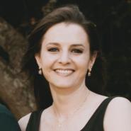 Mariana Fuzzeto Q